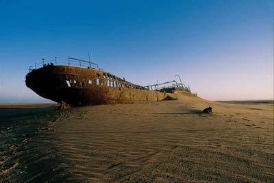 skeleton-coast-shipwreck