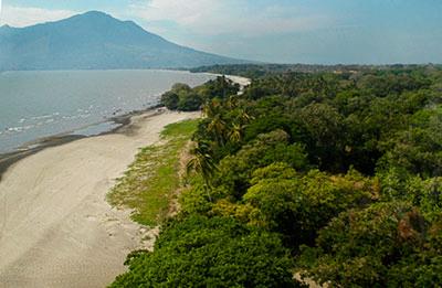lake nicaragua beach