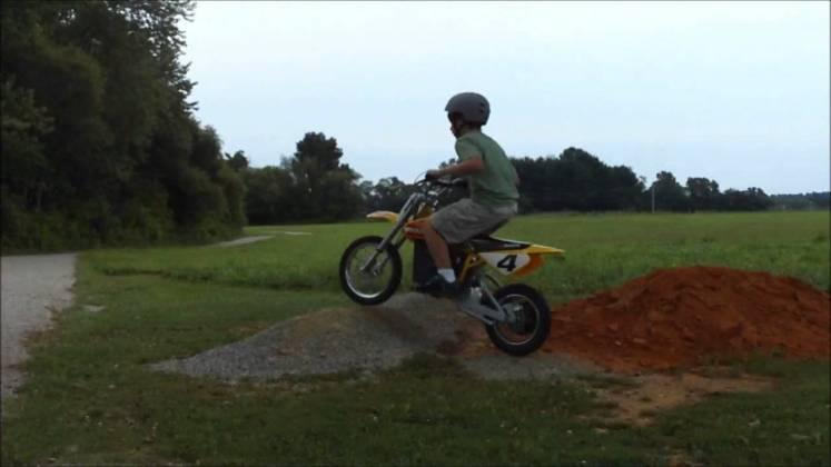 kids-dirt-bike-helmet-safety