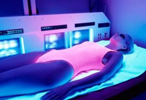 girl in suntan bed