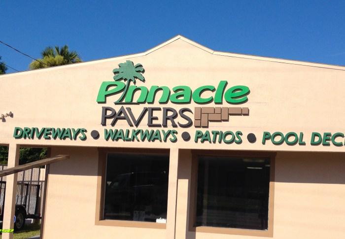Pinnacle Pavers : Storefront Signage
