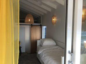 2e slaapkamer met badkamer + airco + op verzoek 1 of dubbel bedden