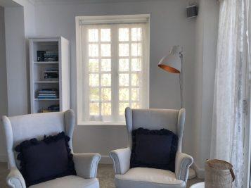 Livingroom, books, games, Smart-TV, airco