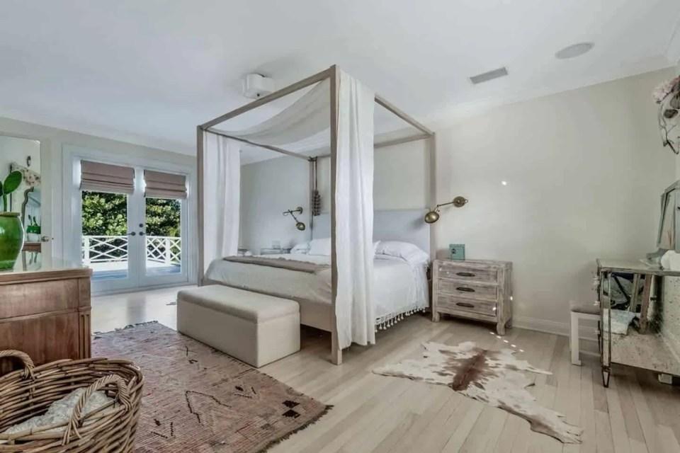 The Best Coastal Style Comforters For Your Beach House - Beach House Bedding Ideas - Elegant Bohemian