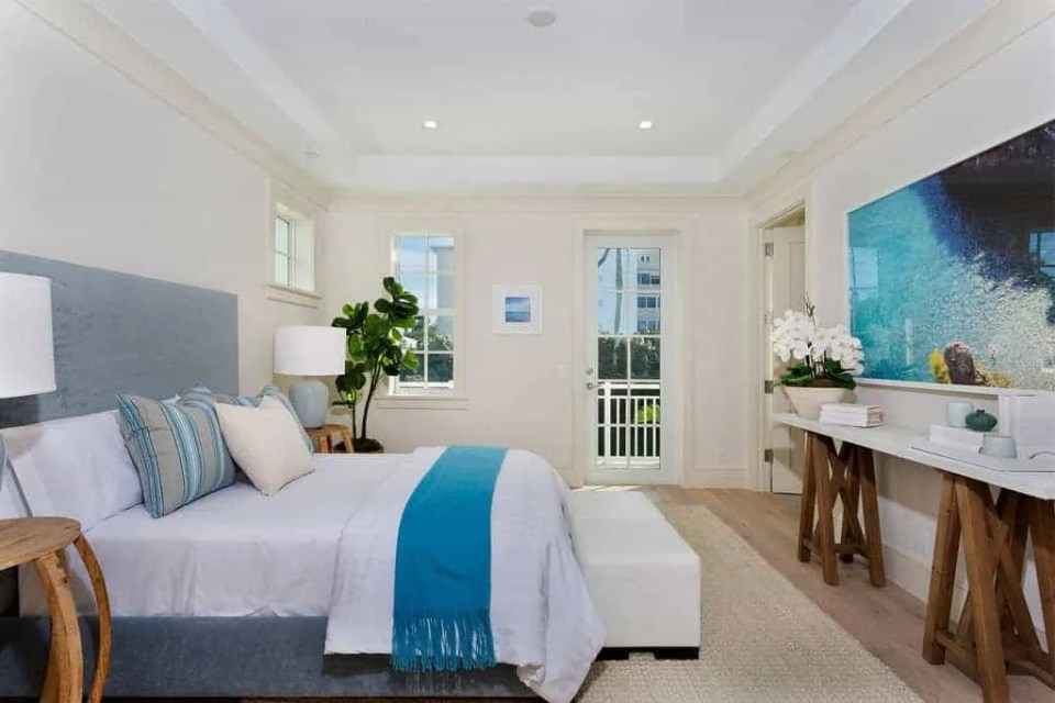 The Best Coastal Style Comforters For Your Beach House - Beach House Bedding Ideas - Blue and White