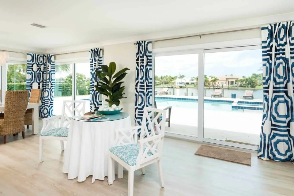Modern Coastal Design Ideas - Beach House White and Blue Eat In Dining