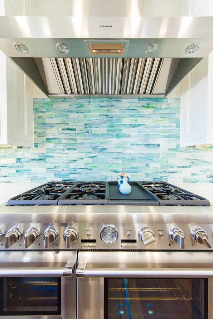Beach House Kitchen Ideas - Turquoise statement backsplash