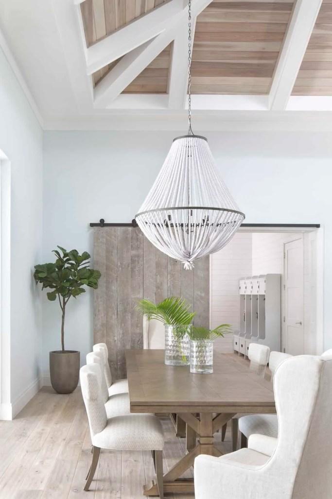Classic Wood Farmhouse Table - Coastal Calm Home Design With Amazing Relaxed Beach Décor Ideas