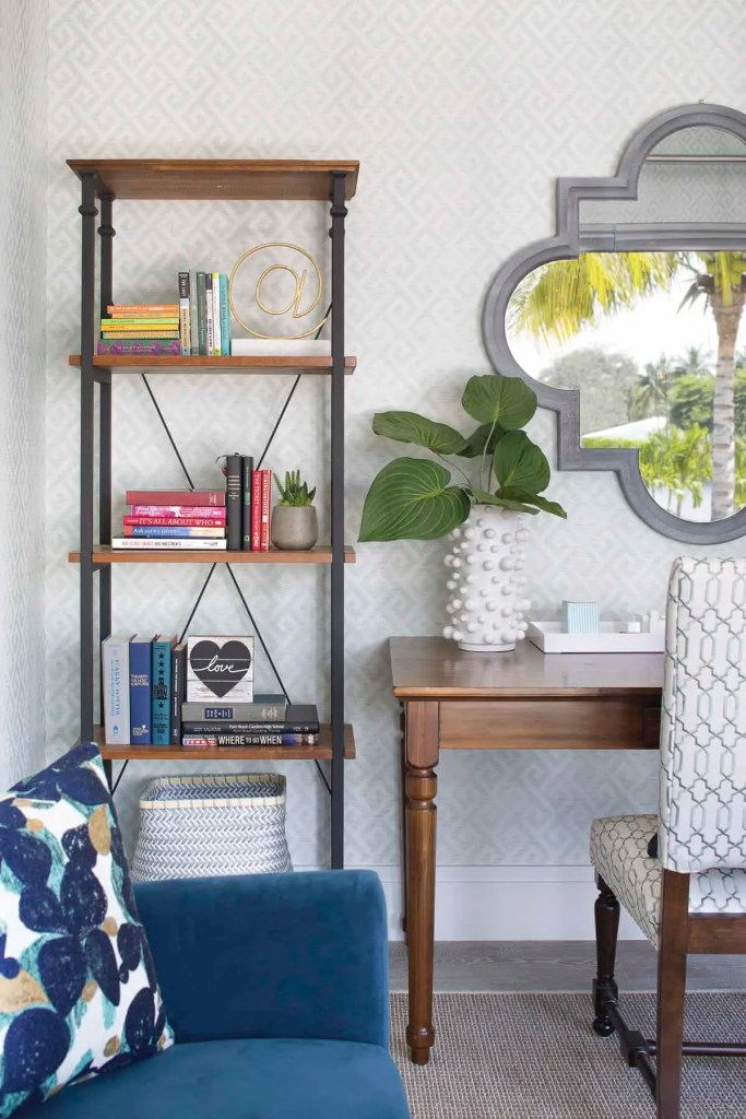 Palm Beach Style Office - Coastal Calm Home Design With Amazing Relaxed Beach Décor Ideas