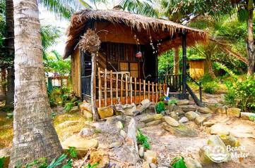 Cute bungalow at M'Pay Bay Village, Koh Rong Samloem in Cambodia. © Beachmeter.com