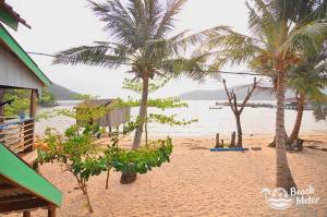 M'Pay Bay Village beachfront view. © Beachmeter.com