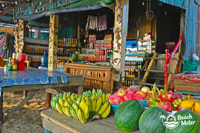 Fruit store on the main street of M'Pay Bay Village, Koh Rong Samloem. © Beachmeter.com