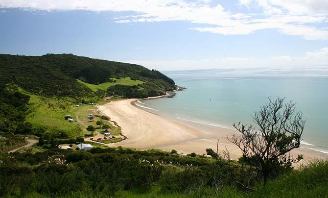 Shipwreck Bay surfing spot in New Zealand's Ahipara