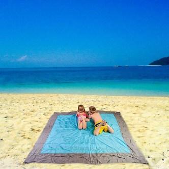 weimy beach blanket