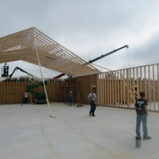 9/27/11 Putting up trusses.