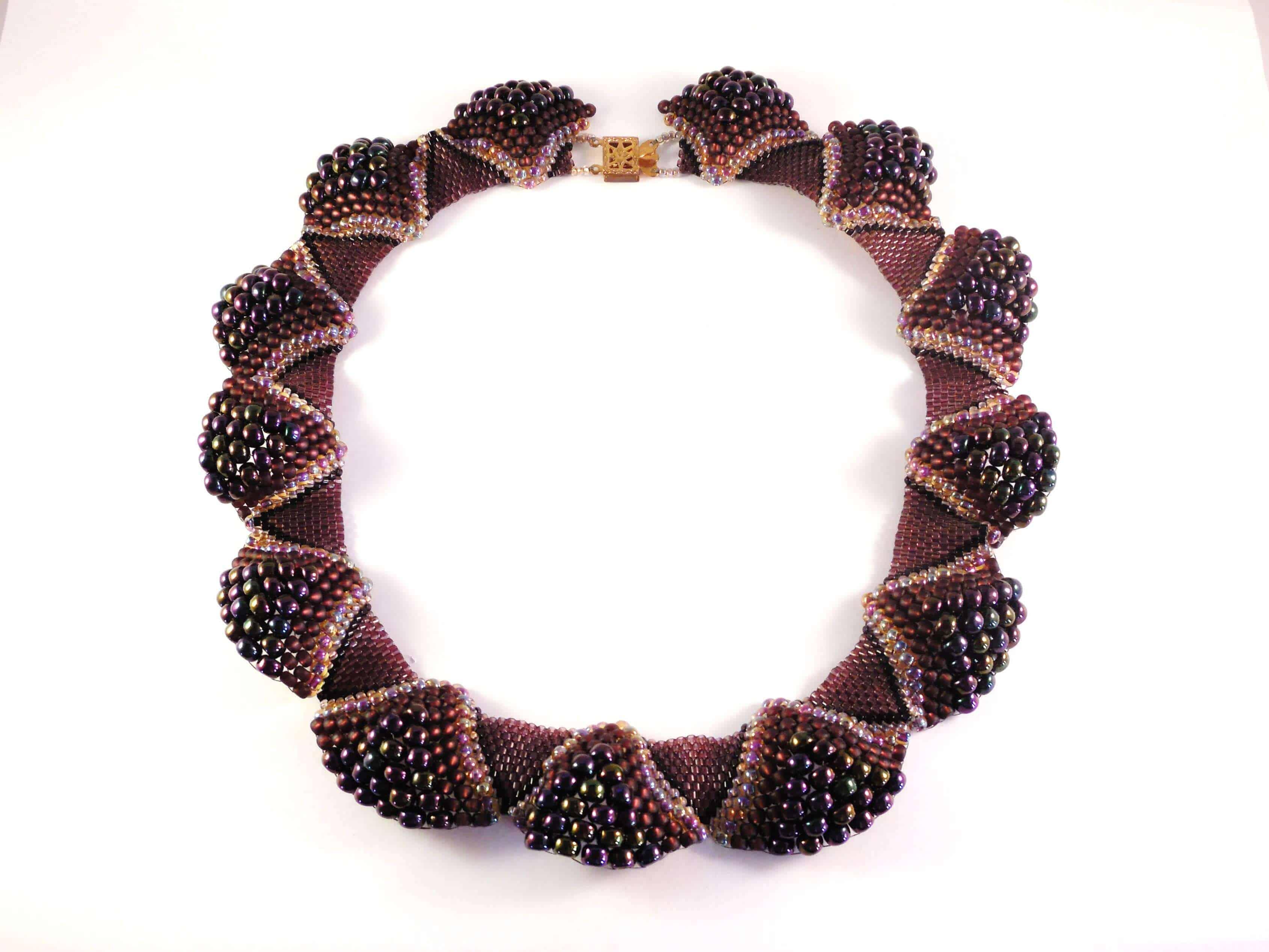 Ruffled Collar Beading Pattern- The Bead Club Lounge