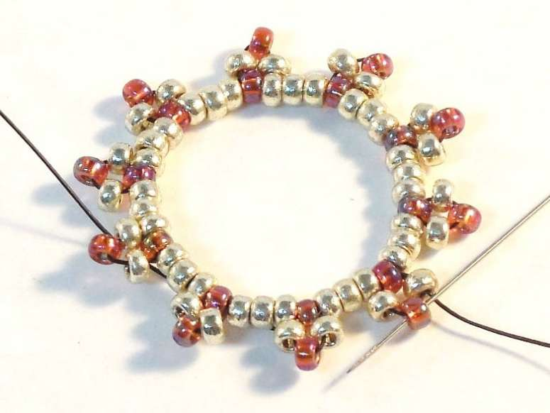 Free Seed Bead Ornament Cover Pattern for Christmas