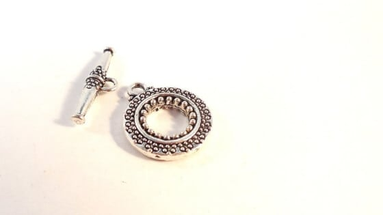 Toggle Clasp - The Most Popular Types of Jewelry Clasps and How To Use Them