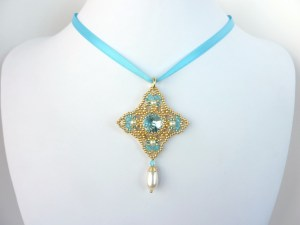 FREE beading pattern for Diamond Rivoli pendant
