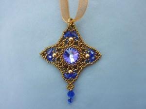 FREE beading pattern for Diamond Rivoli pendant