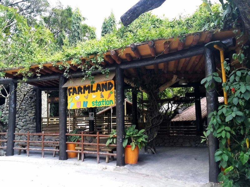 the entrance to farmland in avilon zoo