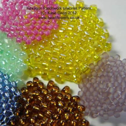 Hexagon Patchwork Bracelet Pattern: Colour theory beading