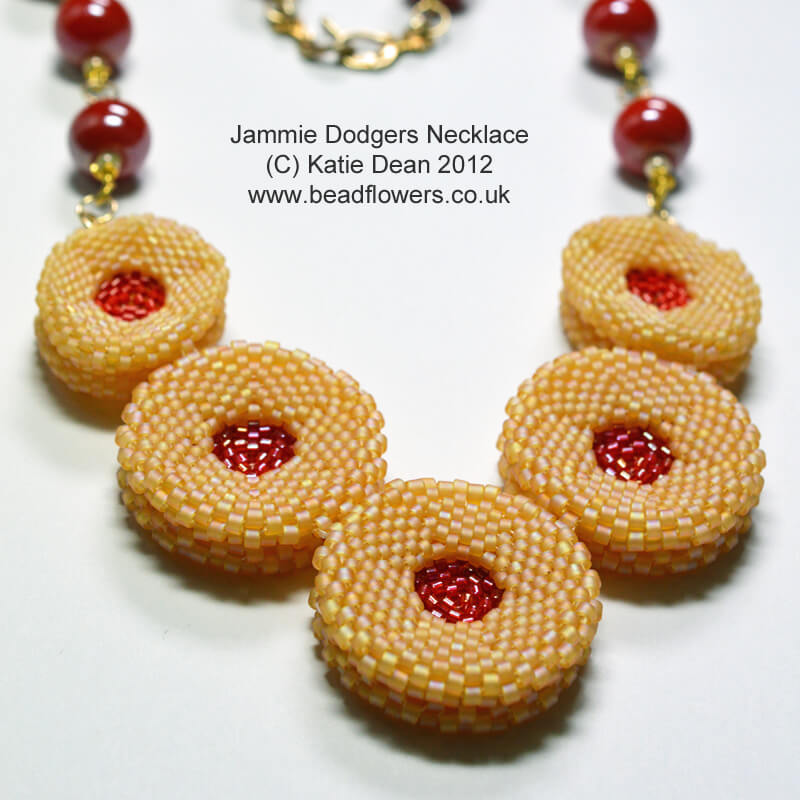 Jammie Dodgers Necklace Pattern
