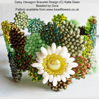 Daisy Hexagon Bracelet Pattern beaded by Dora