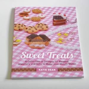 Sweet Treats Book, Katie Dean, Beadflowers, beaded cake patterns