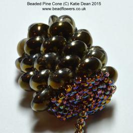 Beaded_Pine_Cone