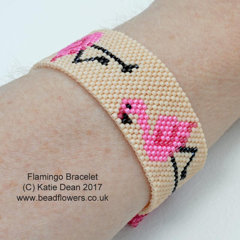 Flamingo Bead Pattern: Bracelet