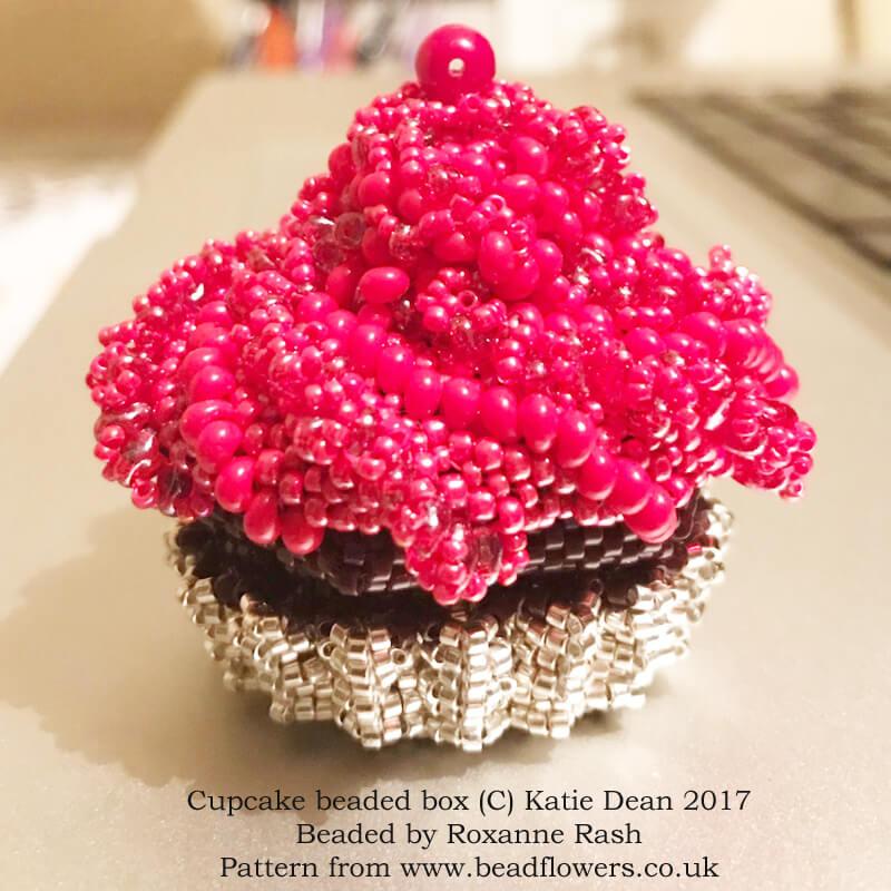 Cupcake beaded box pattern, Katie Dean, Beadflowers, beaded by Roxanne Rash
