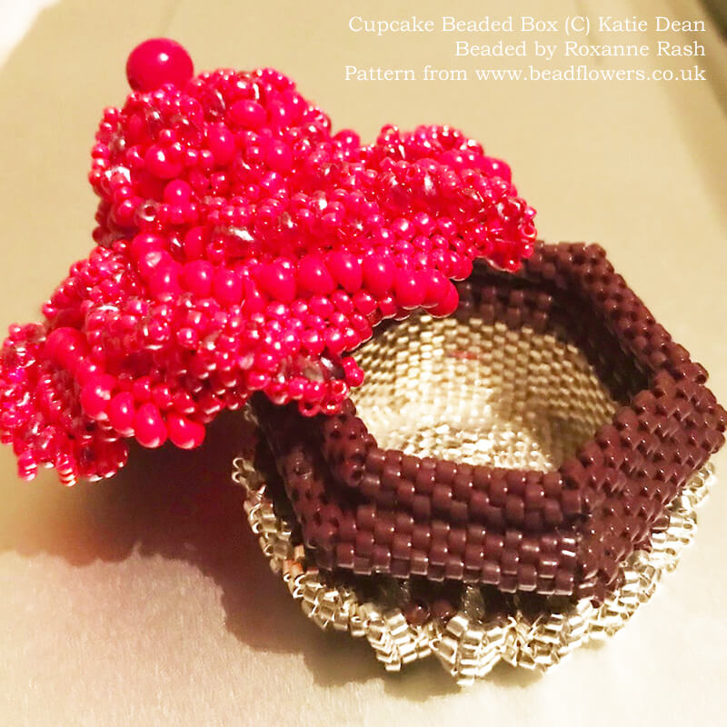 Cupcake beaded box pattern, Katie Dean, Beadflowers, beaded by Roxanne Rash