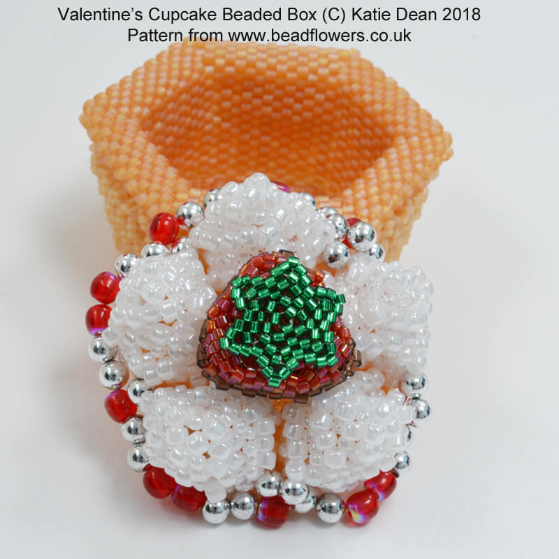 Valentines Cupcake Beaded Box Pattern, Katie Dean, Beadflowers