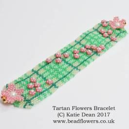 Tartan Flowers Bracelet Pattern, Katie Dean, Beadflowers