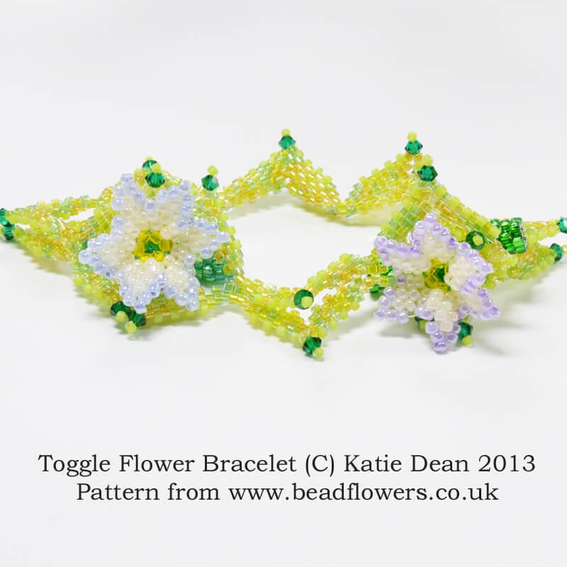 Flower toggle bracelet beading pattern, Katie Dean, Beadflowers