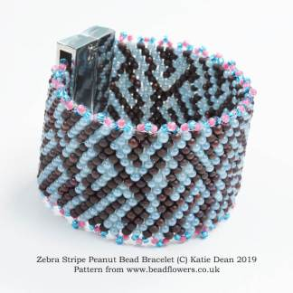Zebra stripe bracelet pattern, with Peyote stitch and peanut beads, Katie Dean, Beadflowers