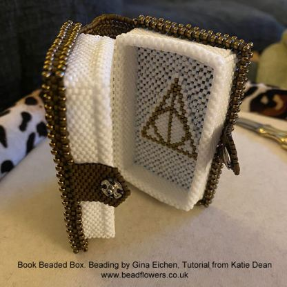 Book beaded box pattern by Katie Dean, Beadflowers. Beaded by Gina Eichen