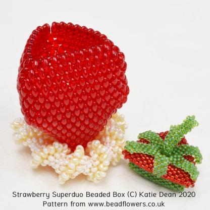 Strawberry Superduo beaded box pattern, Katie Dean, Beadflowers
