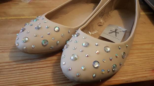 shoe_stoning9