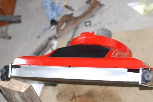 De boven- en onderkant van de radiator werd gespoten in een 2K-vernis ter bescherming.
