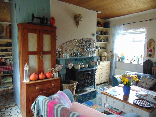 sitting room at Bealtaine Cottage bealtainecottage.com 007