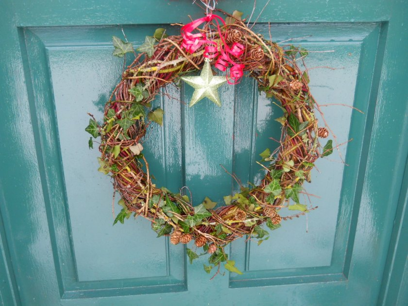 How To Make A Biodegradable Willow Wreath Easy And Free Bealtaine Cottage Ireland