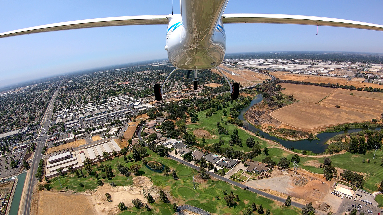 Beam Global-Flying On Sunshine-Arial View-Electric Aviation w