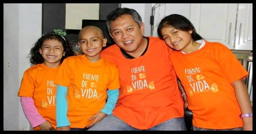Dr. Ricardo Pun-Chong with children