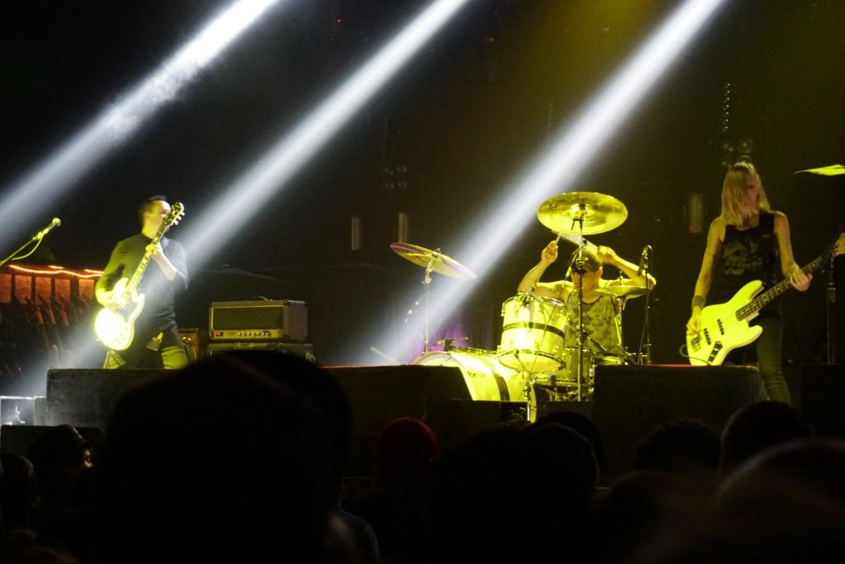 Spotlights Deftones Concert 12