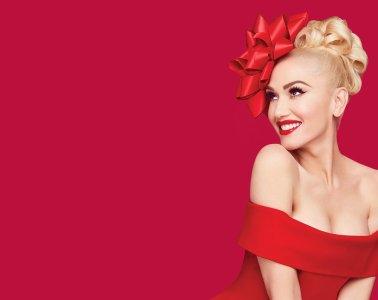 Gwen Stefani Christmas Album Sucks