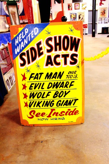 sideshowActs_Signs