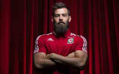 bearded sportsman Joe Ledley