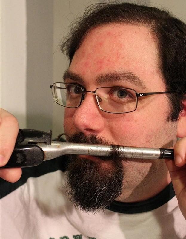 ways to curl mustache